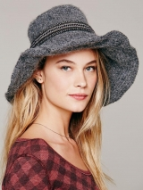 <h5>AA98 RIBBON HAT  FAUX MOHAIR</h5>